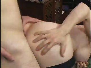 milf big boobed fode um jovem stud