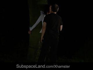 Nataly ligado na floresta à noite e fodido
