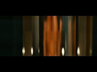 Rosario Dawson está completamente nu em seu novo filme