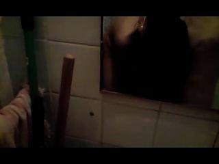 Slut sugam pau no banheiro