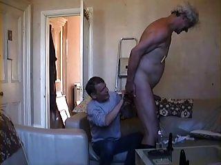 bitchboy mostra que você pode se vestir e usá-lo