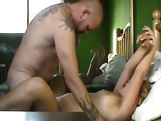 loira gordinha gordinha com homem tatuado