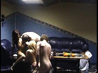 jovens na sauna ganham dinheiro