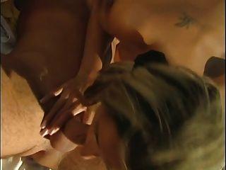 melhores cenas 7 boobs e boner na praia