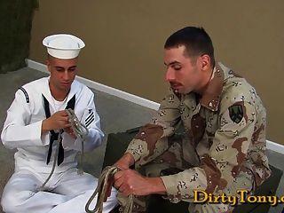 str8 military bj em uniforme