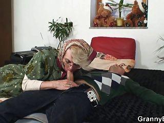 vovó vovó abandona o bichano