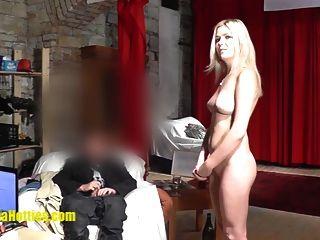 massagem de óleo lésbica por dois hottes checos de amonitas de 19 anos