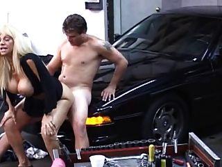 blonde loiro fodido na garagem