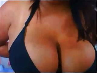 Shandi Big Boobed na webcam (mamilos grandes)