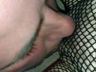 lambendo bichano e fodendo minha esposa milf britânica para o orgasmo