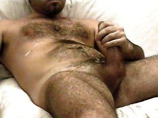 homem quente masturbando