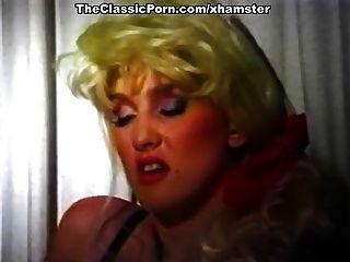 incrível estrela de pornografia clássica na cena sexual clássica