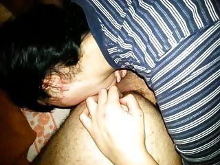 lambendo o ânus e a massagem da próstata faz a linguagem