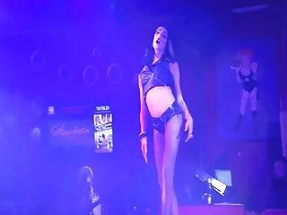 fantasia selvagem sobre drag queen sexy