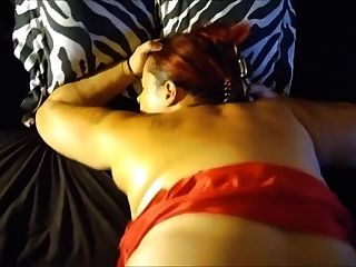 prostituta em vestido vermelho fodido bareback