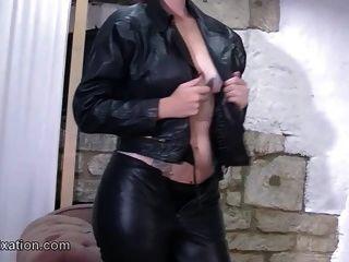 babados piolhos com fetiche de biquíni sexy para descascar e couro