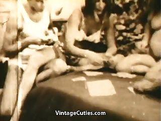 swingers adolescentes jogam strip poker e fuck (vintage dos anos 1960)