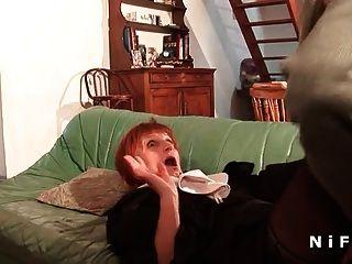 uma freira francesa forte sodomizada em três andares