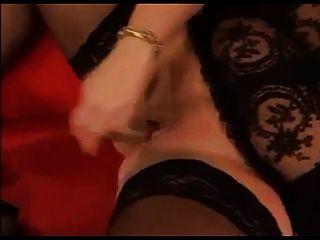 Masturbação com bbw quente em meias pretas