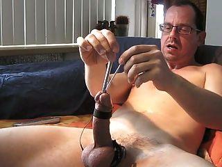 esticando meu pénis.