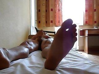 pés e gosto meu cum