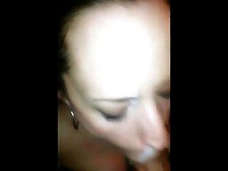 Young cum whore quer aquela surpresa quente em seu rosto