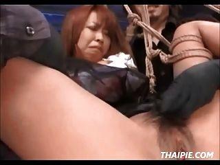 escravidão e brinquedos asiáticos extremos