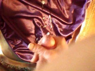 calcinha de cetim roxo