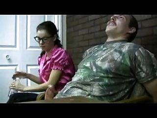 nerdy girl dá feminino handjob