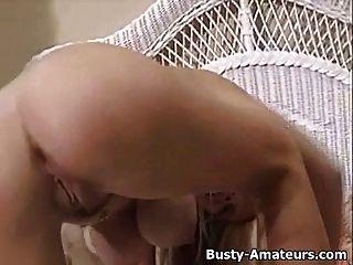 bichinho pungente mary masturba seu bichano após entrevista