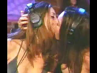 jade \u0026 taylor: gêmeos beijando ao vivo