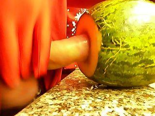 superfície de plástico perto de boa sementes de melão