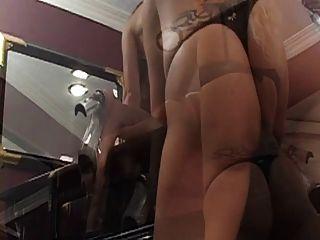 as bichas lesbianas trampy ficam impertinas com o vibrador no piano