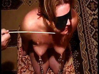 tortura de peitos e mamilos