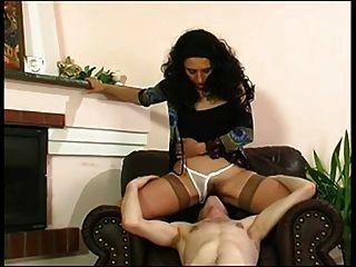 Mãe e menino sexo romântico