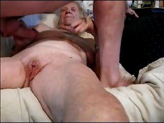 avó e jovem amante