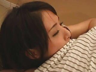 branqueado: uma garota japonesa é criada por galo branco creampie bwc