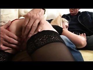 esposa britânica é espancada e fodida pelo velho e marido