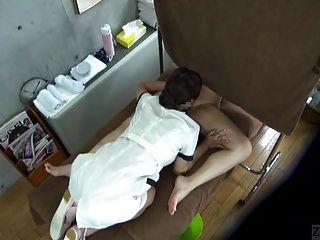 subtitulado cfnf enf japonês lesbian massagem clínica oral
