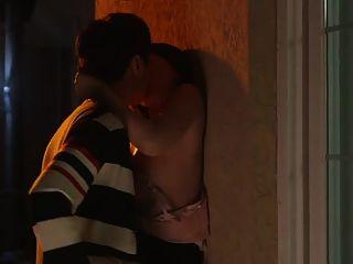 jovem e maduro na cena de sexo do filme coreano