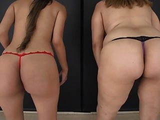 2 meninas que amamentam peitos sem coce