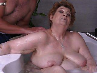 maduro bbw mãe fodendo filho no banho