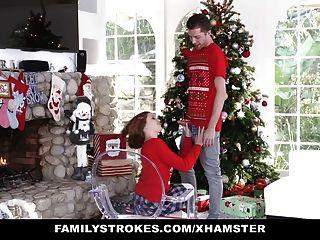 Familystrokes fucking my sis durante as fotos de natal do feriado
