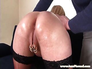 eu estou perfurado busty milfwith pussy piercings rough anal sex