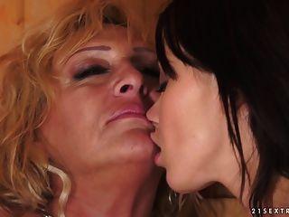 Momentos de lésbicas na sauna