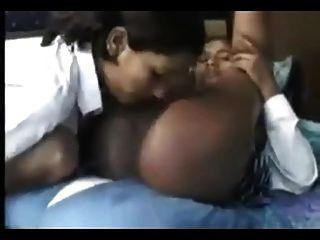 sexo oral oral de 18 anos de sexo feminino quente de 18 anos