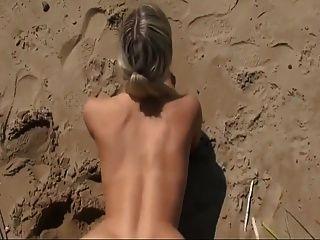 sexo quente na praia