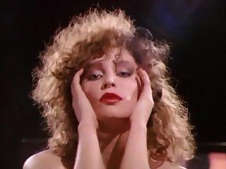 no sulco, os anos 80, os grandes peitos, dança, saltos