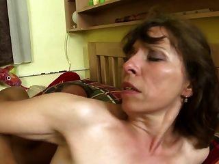 histórias de casa sujas com mães maduras