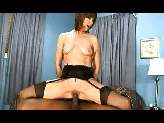 mulher madura quente em meias passeios bbc